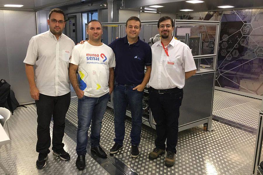 Escola Móvel do Senai-SP apresenta Indústria 4.0 para estudantes e entusiastas