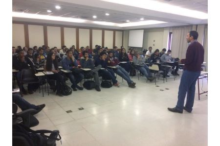 Altus ministra palestras e cursos gratuitos em universidades e escolas técnicas