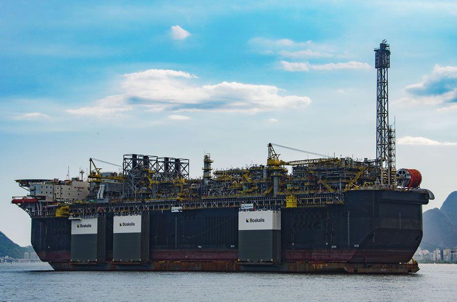 P-70 inicia produção de óleo na jazida de Atapu