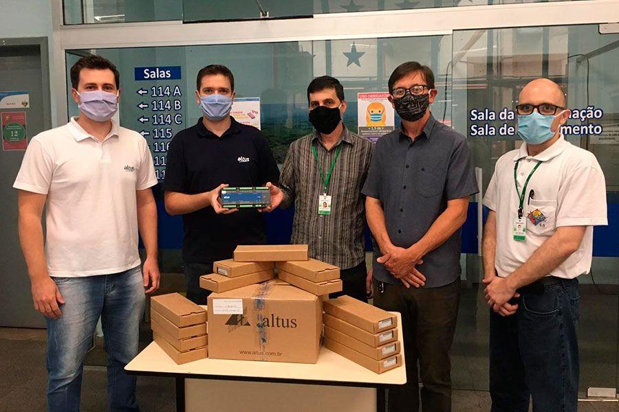 Altus equipa laboratórios da Escola Liberato com unidades do CLP Nexto Xpress